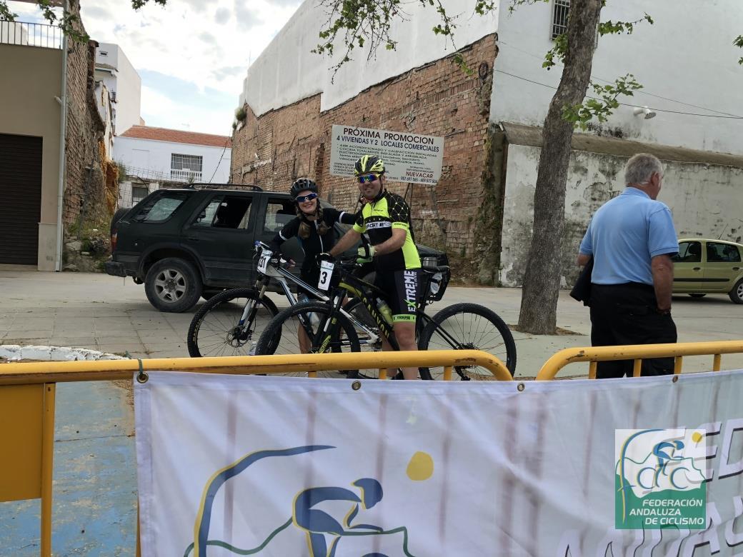 CICLOTURISTA UN MAR DE OLIVOS DE NUEVA CARTEYA