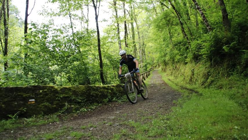 Taramundi-artesania-tradicion-naturaleza-y-ciclismo