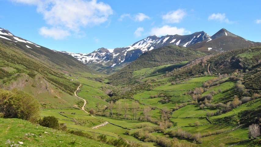 El-Valle-de-Laciana-naturaleza-tradicion-y-turismo-activo-en-un-mismo-destino