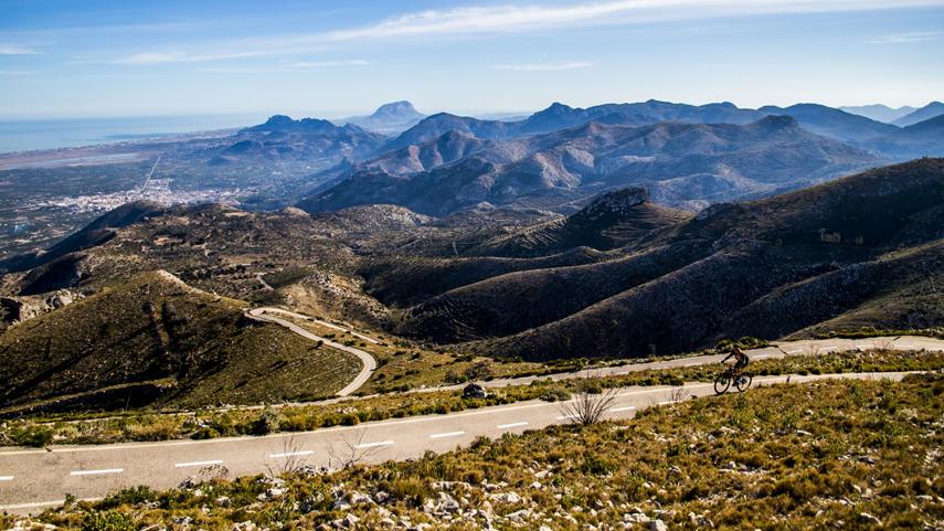 Pego-i-les-Valls-territorio-ciclista-entre-mar-y-montana