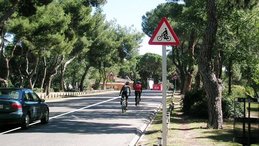 Los-adelantamientos-a-bicicletas-con-linea-continua-legales-o-no