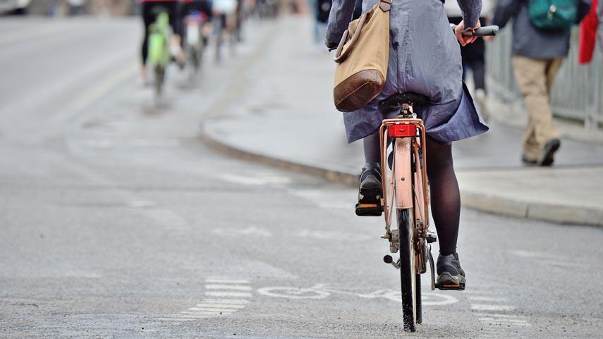 El-uso-de-la-bicicleta-para-ir-a-trabajar-y-sus-beneficios