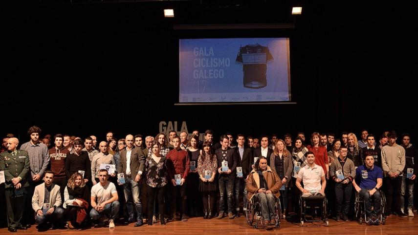El-ciclismo-galego-presumio-de-campeones-en-Lalin-