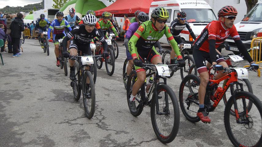 Pedro-Romero-y-Rocio-Martin-se-exhiben-en-el-Open-de-Espana-de-Maraton