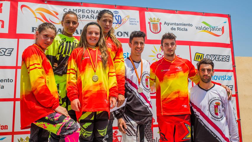Alejandro-Alcojor-y-Veronica-Garcia-brillan-en-el-Campeonato-de-Espana-de-BMX