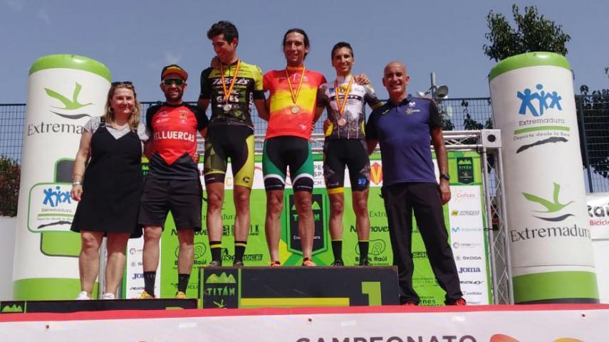 Pedro-Romero-y-Natalia-Fischer-campeones-de-Espana-de-XC-Maraton