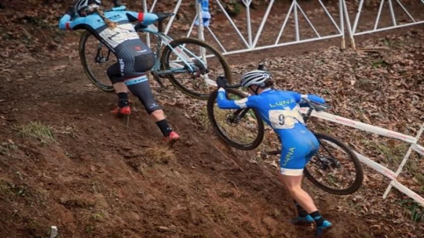 Teresa-Infante-y-Estela-Dominguez-suben-al-podio-en-el-Campeonato-de-Espana-de-Ciclocross