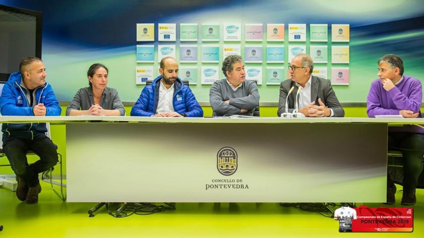 Lopez-Cerron-visita-el-circuito-del--Campeonato-de-Espana-de-Ciclocross-de-Pontevedra-2019-