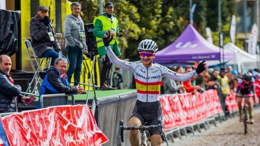 Aida-Nuno-se-cita-con-la-historia-del-ciclocross-espanol-en-Pontevedra