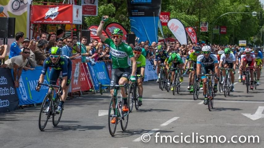 barbero-vence-al-sprint-y-shalunov-gana-la-general-final-de-la-vuelta-a-madrid