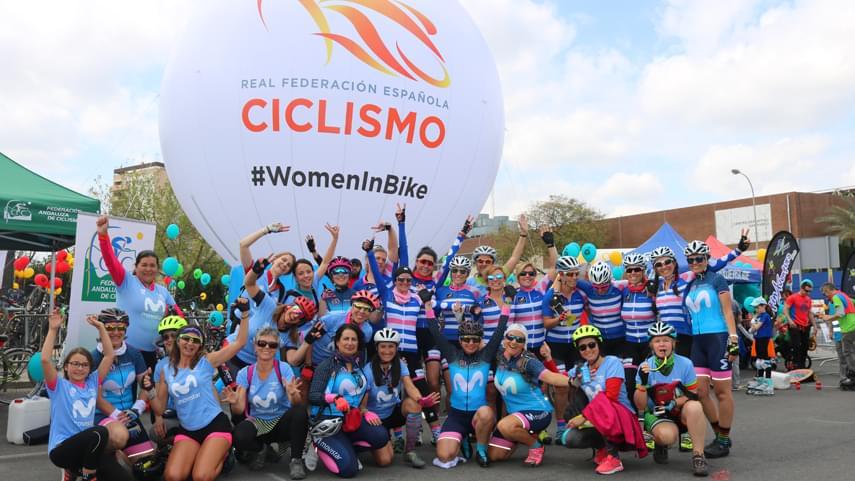 Women-In-Bike-impregna-de-ciclismo-femenino-Sevilla-Sobre-Ruedas