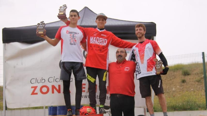 Usera-corono-ayer-domingo-un-ano-mas-a-los-campeones-de-Madrid-de-trial-bici