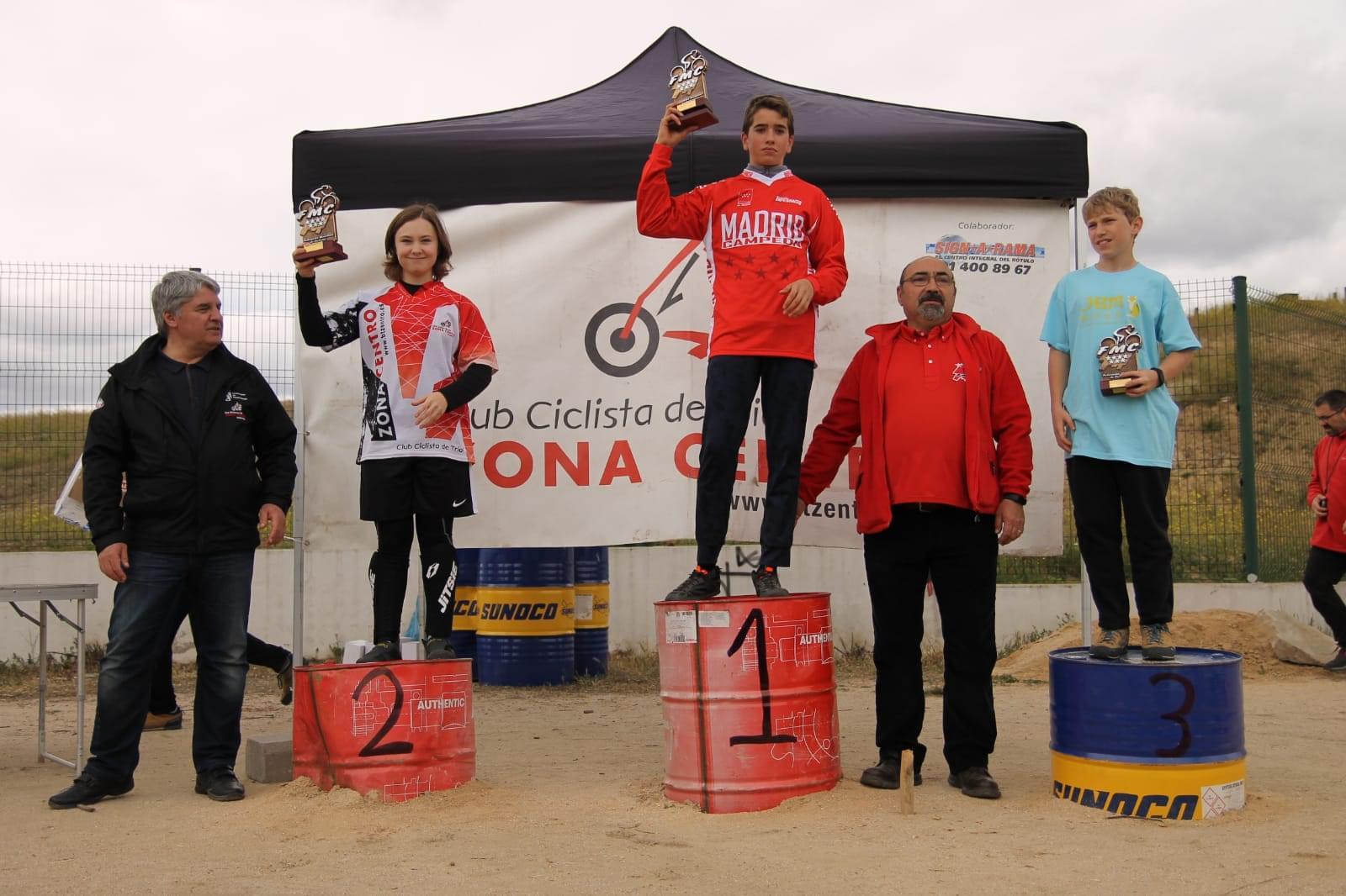 Usera coronó ayer domingo un año más a los campeones de Madrid de trial bici