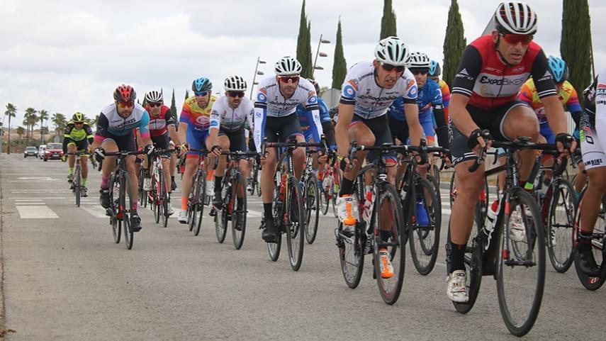 Dos-Hermanas-vuelve-a-concentrar-a-lo-mejor-del-ciclismo-de-carretera