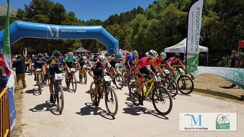 Villanueva-del-Trabuco-clausura-el-Open-de-Andalucia-XCO-con-la-victoria-de-Espada-y-Mingorance