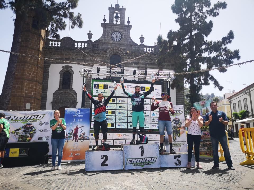 Iago Garay y Marketa Michalkova, los mejores en el Open de España de Enduro de Teror