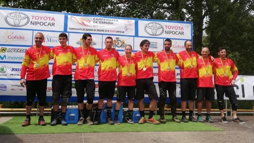 Desiree-Duarte-y-Antonio-Ferreiro-se-proclaman-campeones-de-Espana-de-Enduro-en-Moana