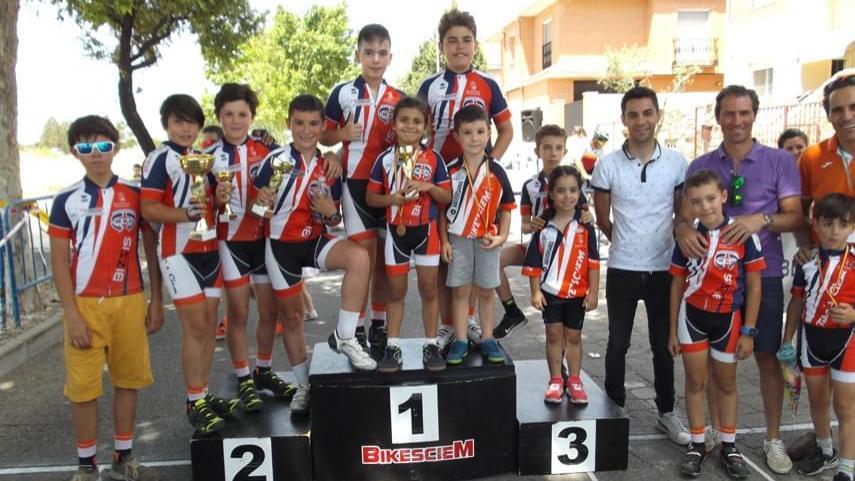 Ciempozuelos-proclamo-a-los-nuevos-campeones-de-Madrid-de-ruta-infantil-y-alevin