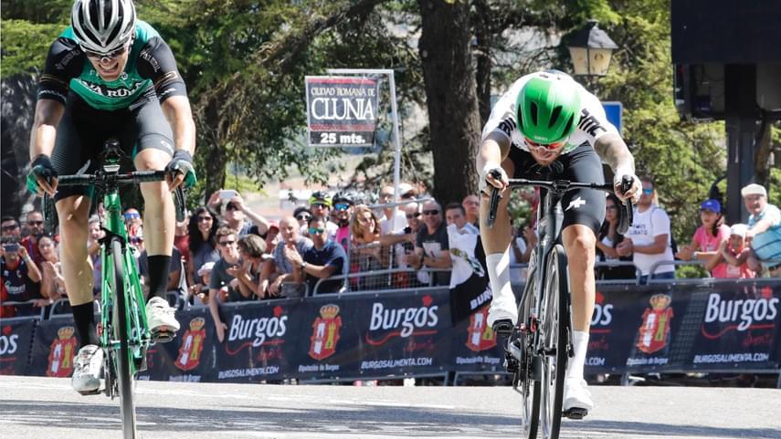 Giacomo-Nizzolo-se-lleva-la-primera-etapa-de-la-Vuelta-a-Burgos-ante-un-gran-alex-Aranburu-