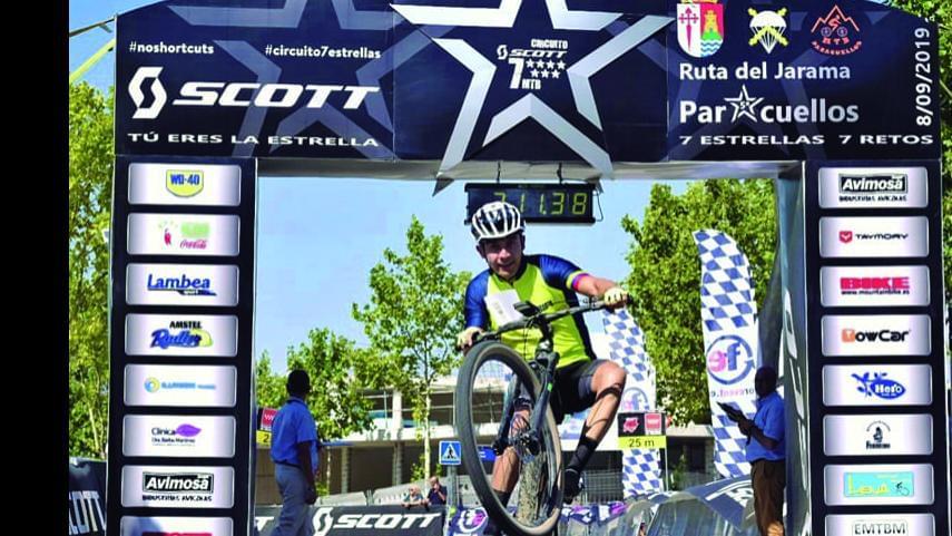 Mas-de-1000-bikers-pedalearon-en-la-quinta-prueba-del-Circuito-Scott-7-Estrellas