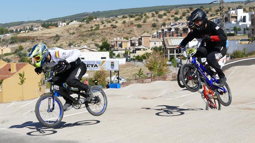 Alejandro-Pereira-se-luce-en-el-cierre-de-la-Copa-Andalucia-BMX-a��19