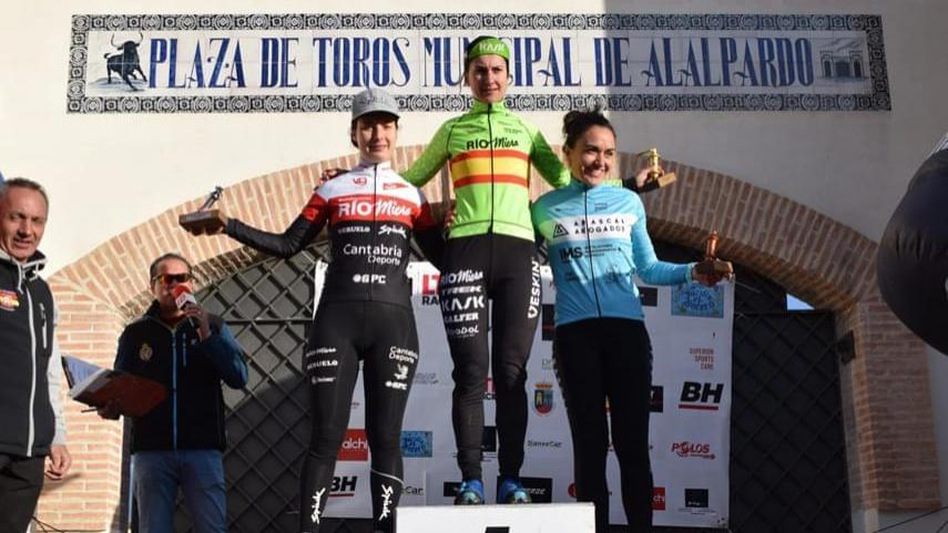 Aida-Nuno-y-Aitor-Hernandez-victorias-de-prestigio-en-el-tradicional-ciclocross-de-la-Pena-Ciclista-Ciclonorte