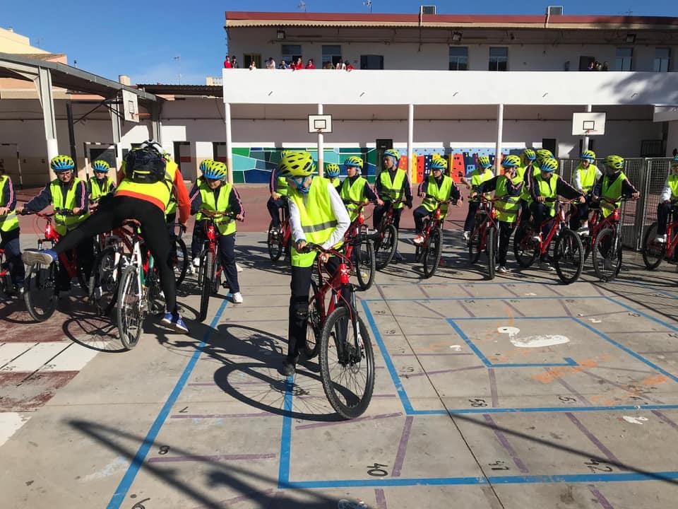 La Federación de ciclismo se ha traslado a l´Escola Jardí de l´Ateneu a Sueca