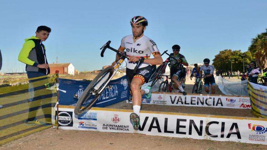Felipe-Orts-y-Lucia-Gonzalez-ganan-el-Ciclocross-Internacional-a��Ciutat-de-ValA�nciaa��