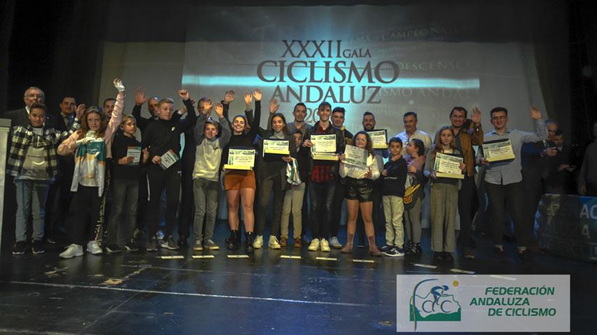 Carmona-celebra-un-final-de-temporada-2019-cargado-de-exitos