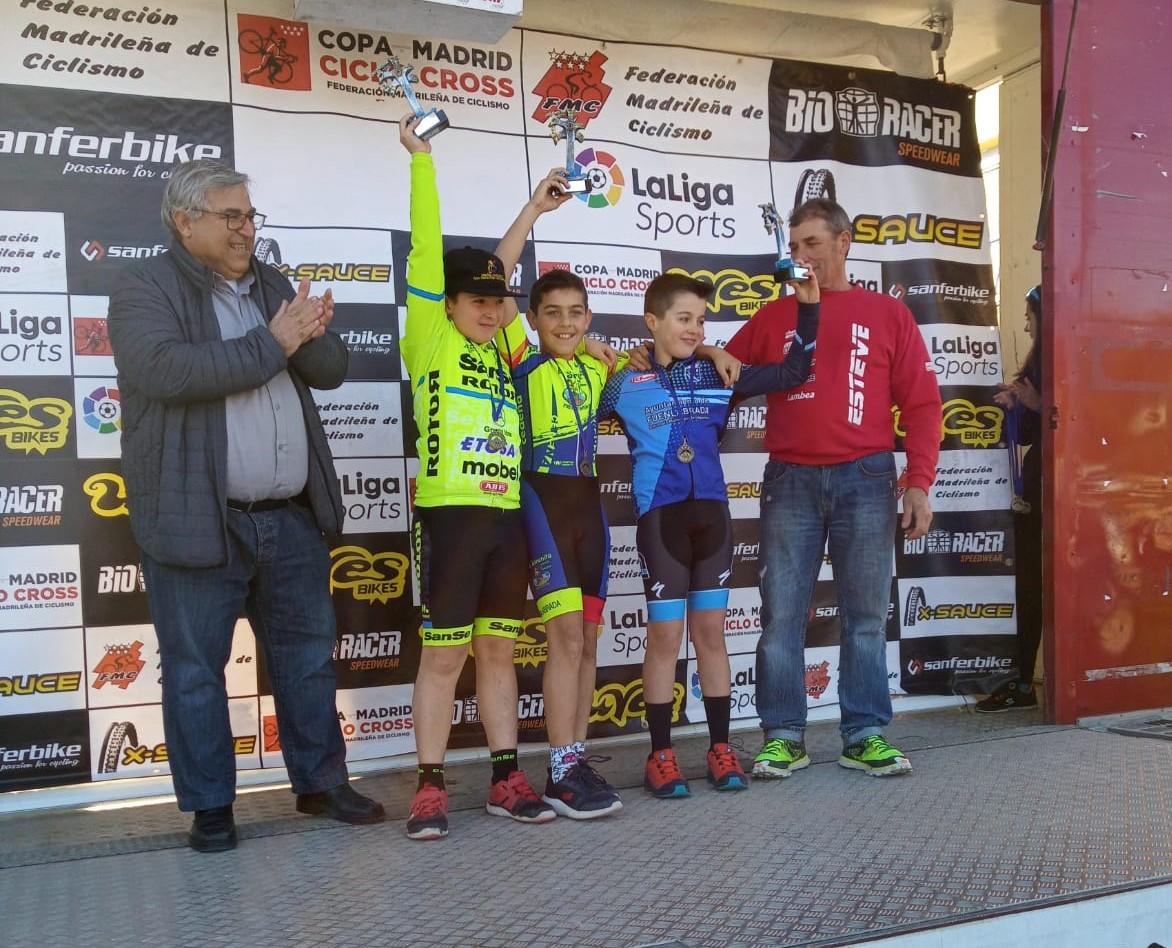 Epílogo de la Copa de Madrid de ciclocross en Navalafuente con María Parajón y Carlos Hernández en lo más alto