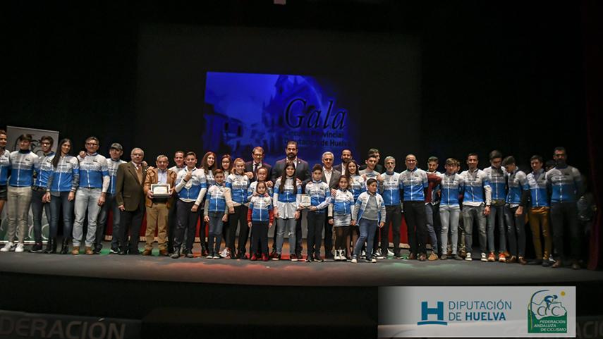 Brillante-cierre-de-temporada-onubense-en-el-Teatro-Municipal-de-Cartaya