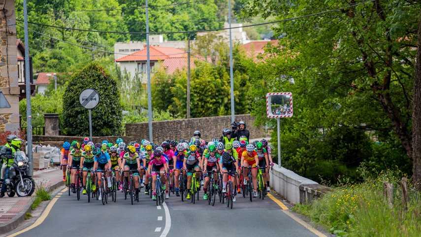Las-carreras-WE-de-la-Clase-2-podran-contar-desde-ahora-con-3-equipos-World-Tour-femeninos