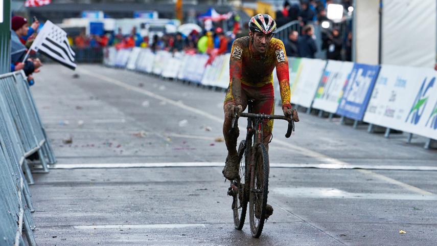 epica-remontada-de-Felipe-Orts-para-ser-14-en-el-Mundial-de-Ciclocross-2020