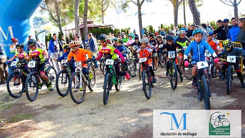 Yunquera-brinda-una-espectacular-jornada-de-escuelas