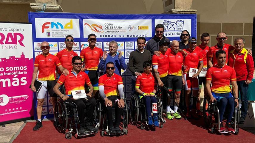 Badajoz-reparte-los-primeros-maillots-de-lider-de-la-Copa-de-Espana-de-Ciclismo-Adaptado