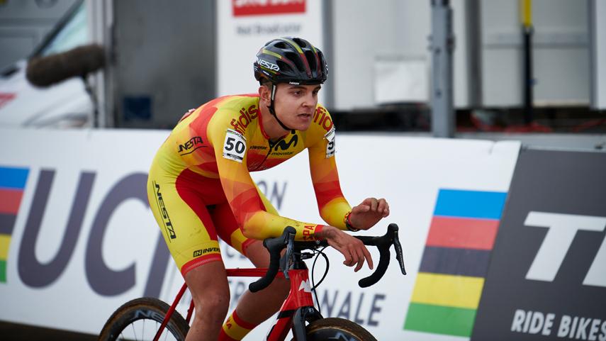 Feijoo-fai-historia-para-o-ciclismo-galego-cun-sexto-posto-no-Mundial-de-Ciclocros-de-D