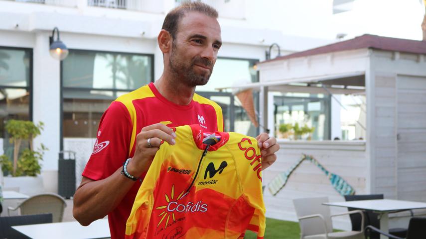 Participa-en-el-sorteo-de-un-maillot-de-la-Seleccion-Espanola-firmado-por-Valverde