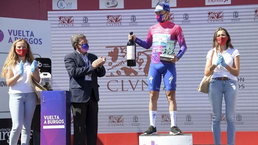 Evenepoel-resiste-a-un-gran-Landa-en-Las-Lagunas-de-Neila-para-hacerse-con-la-Vuelta-a-Burgos