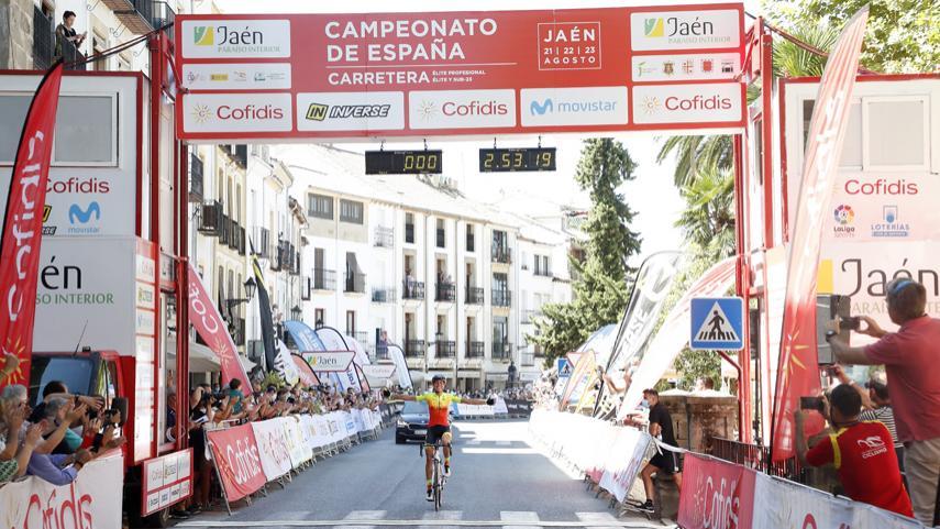 Recital-de-Mavi-Garcia-para-conquistar-el-doblete-en-el-Campeonato-de-Espana-de-Jaen