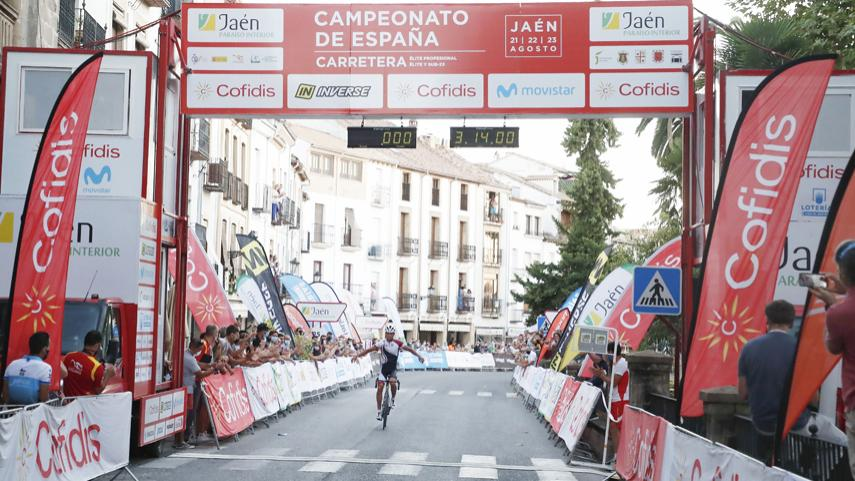 Javier-Romo-irrumpe-exhibiendose-para-ganar-el-Campeonato-de-Espana-sub23-en-linea