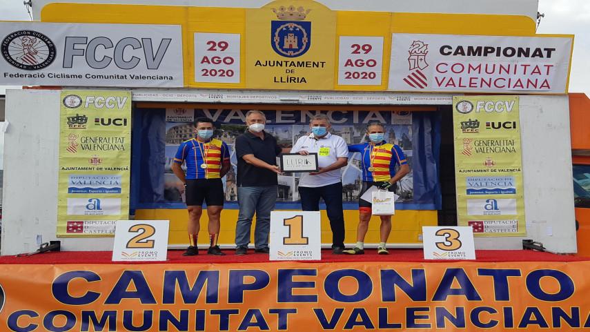Martinez-Benitez-Delicado-y-Mezquita-campeones-autonomicos-master-de-ruta-en-Lliria
