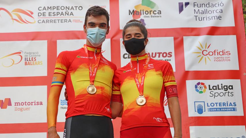 Juan-Ayuso-e-Idoia-Eraso-campeones-de-Espana-junior-contra-el-crono-en-Llucmajor