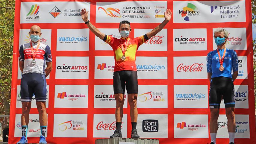 Llucmajor-corona-a-los-nuevos-campeones-de-Espana-Master-en-linea