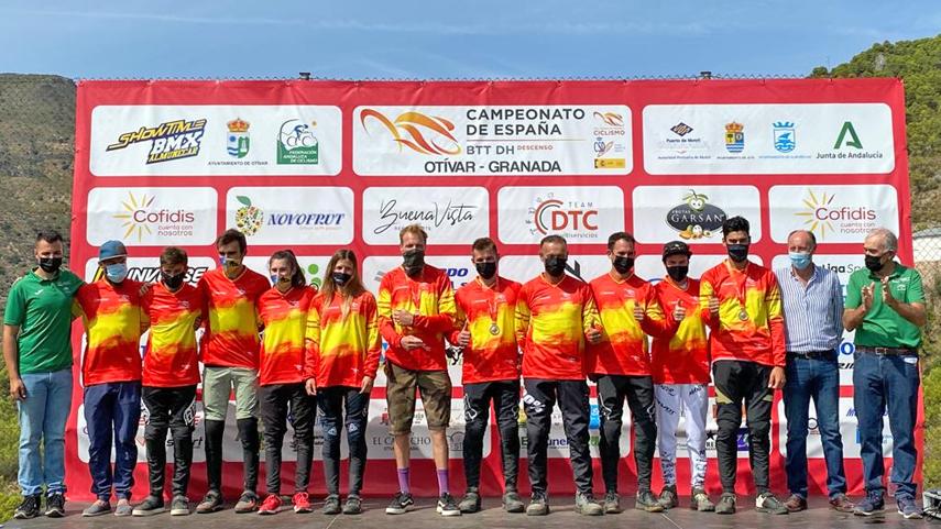 angel-Suarez-y-Telma-Torregrosa-campeones-de-Espana-de-BTT-DHI-en-Otivar