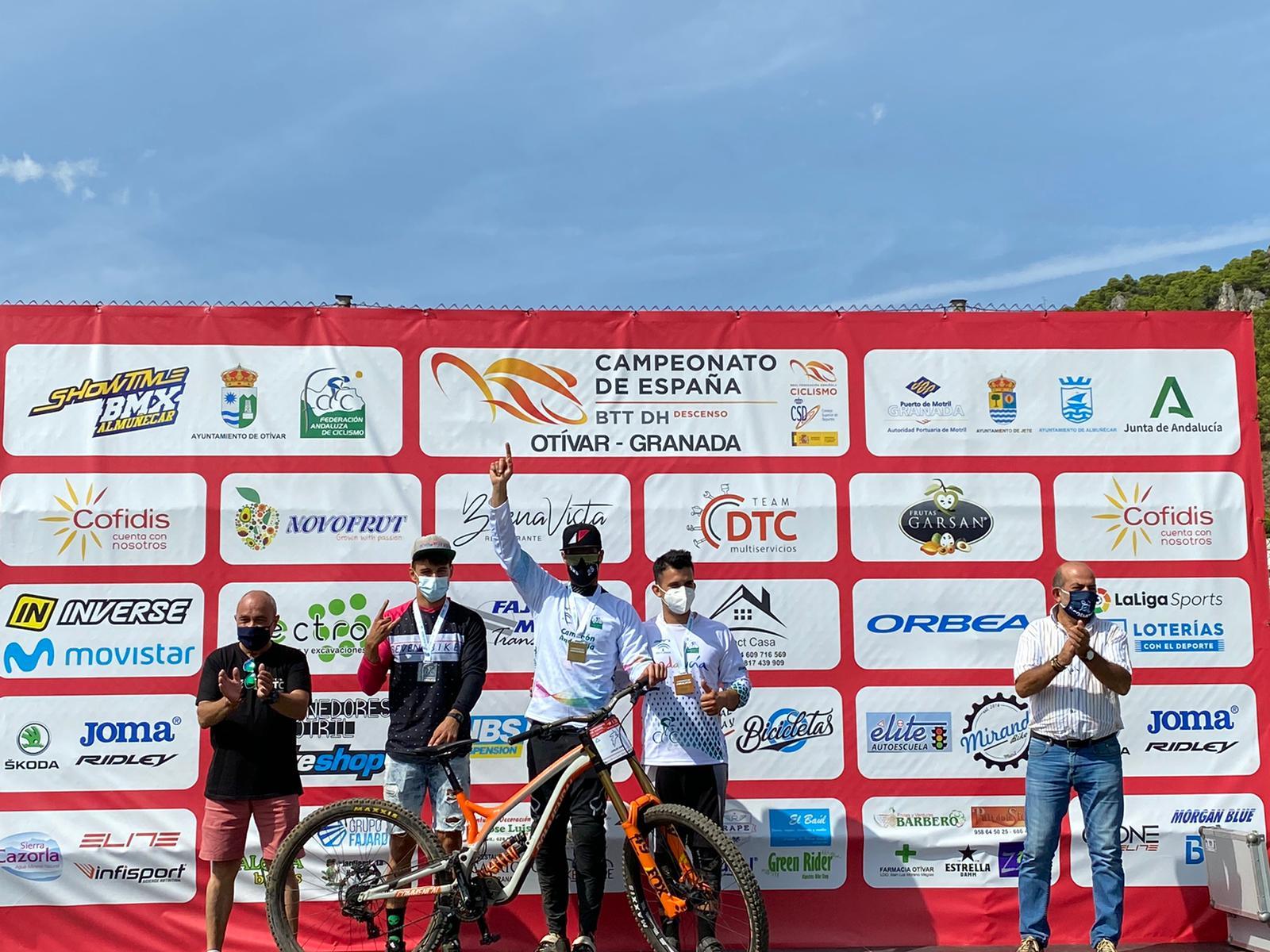 Ángel Suárez y Telma Torregrosa, campeones de España de BTT DHI en Otívar