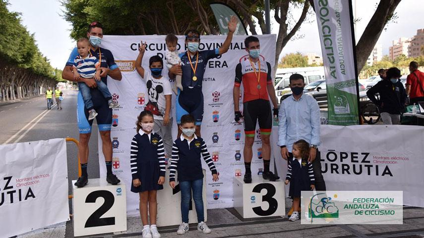 El-provincial-almeriense-de-carretera-llego-a-su-fin-con-el-V-Criterium-Ciclista-de-Almeria