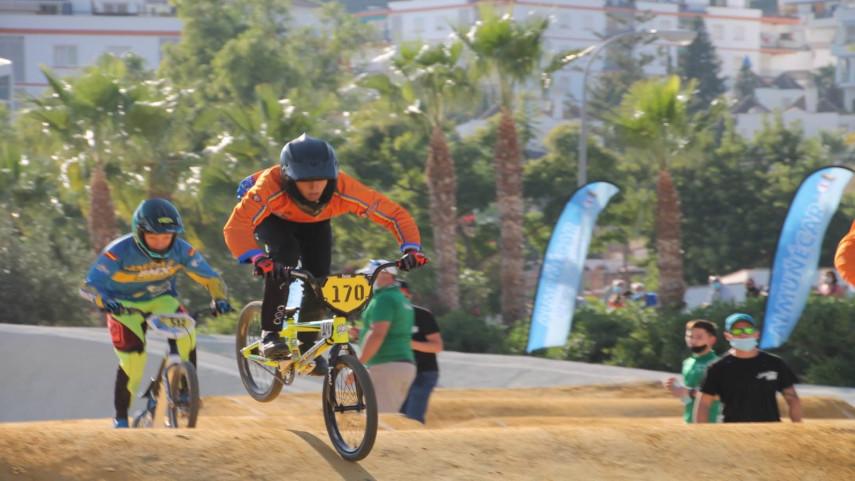 La-seleccion-autonomica-de-BMX-logra-tres-medallas-en-los-Nacionales-de-Almunecar