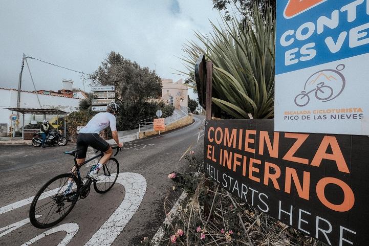 Thomas Devaux y Manuela Muresan ganan la Free Motion Escalada al Pico de las Nieves