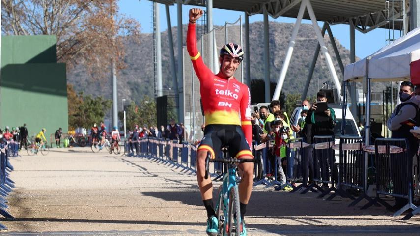 Orts-y-Gonzalez-repiten-triunfo-en-la-segunda-prueba-de-la-Copa-de-Espana-de-Ciclocross-2020