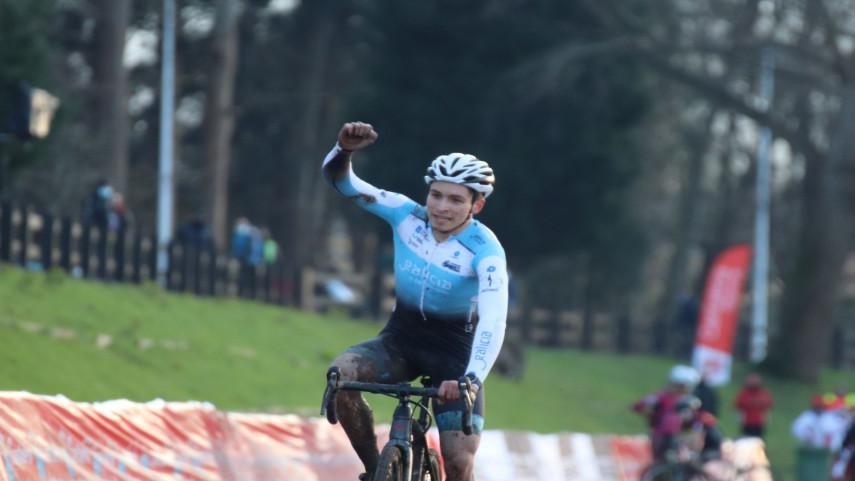 O-ciclocros-galego-colgase-seis-medallas-na-apertura-do-Campionato-de-Espana